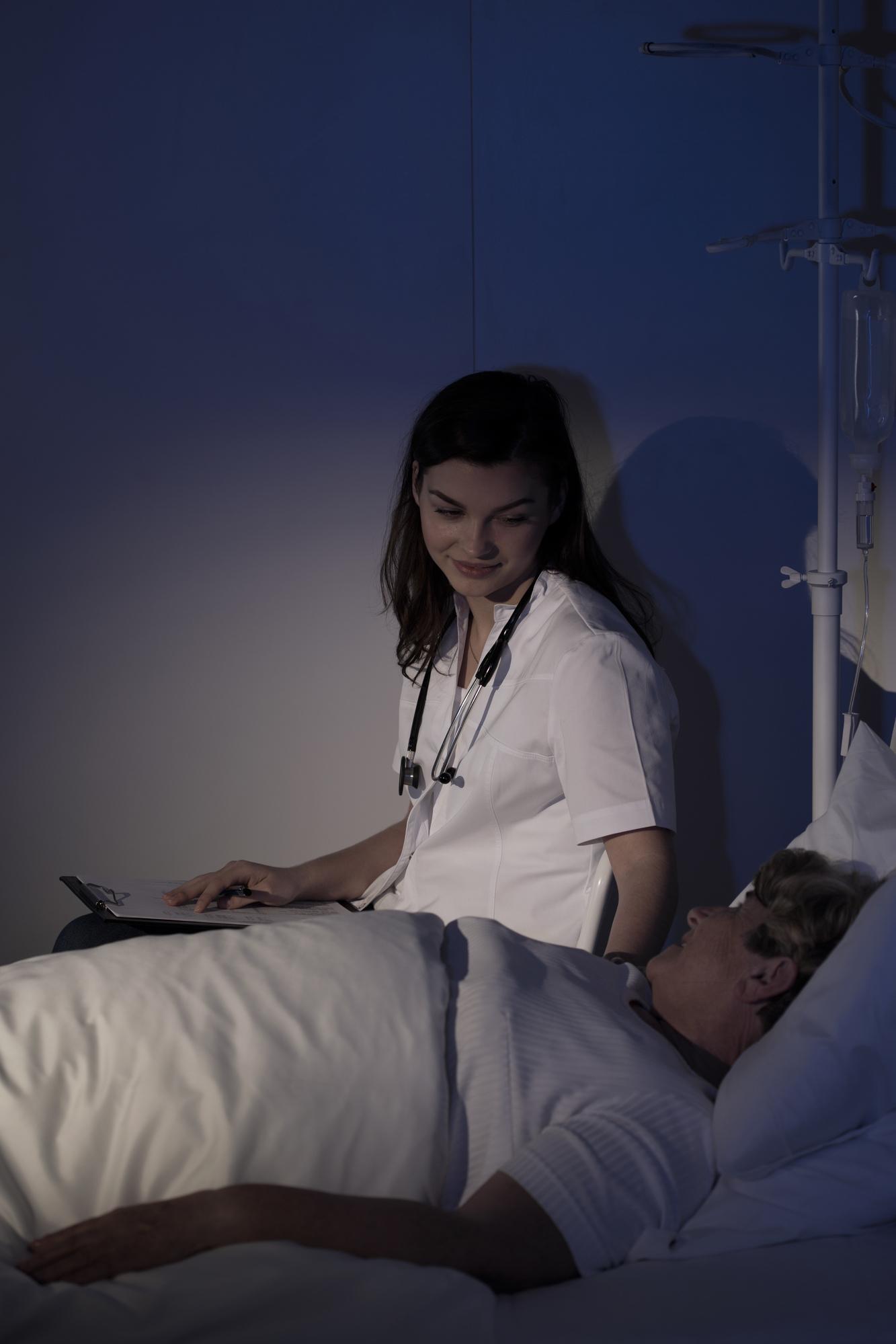 Наблюдение пациента специалистом